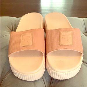 Puma EVA slide sandal pink size 8-9